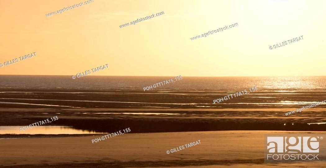 Stock Photo: France, Région des Hauts de France, Pas de Calais, Berck Plage, esplanade maritime, Promenade du Professeur Jean Debeyre.