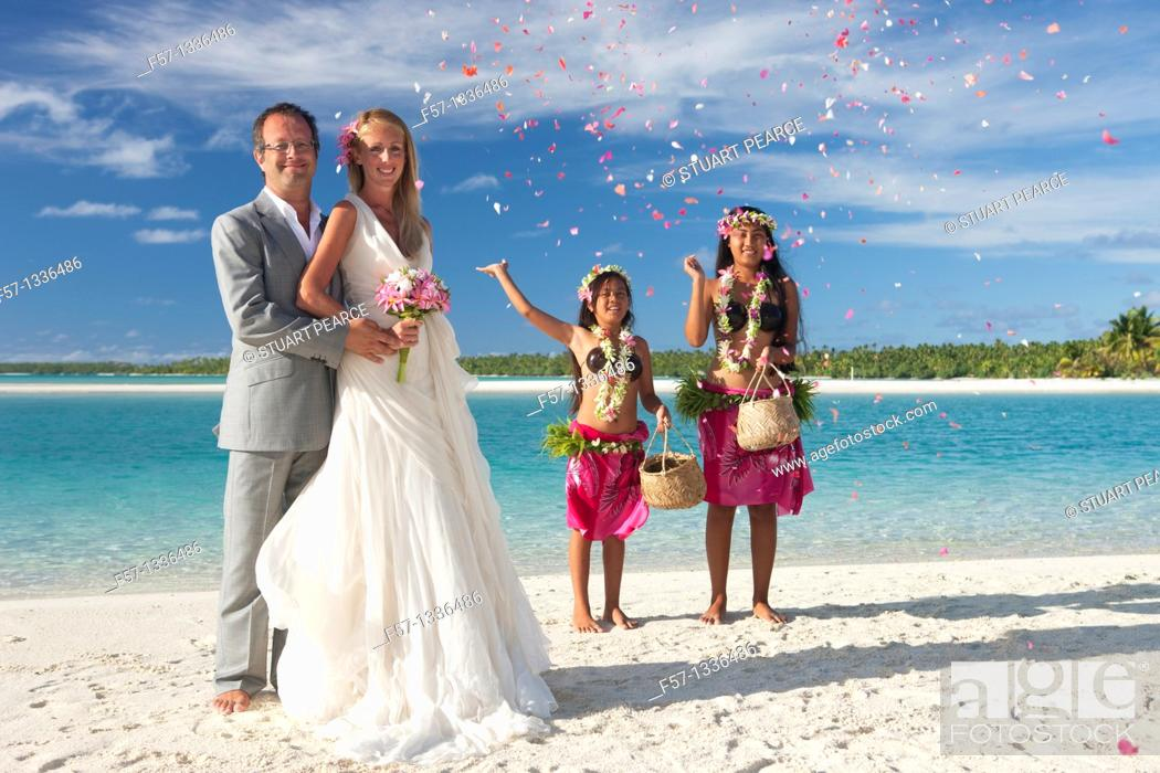 Stock Photo: Wedding. Aitutaki in The Cook Islands.
