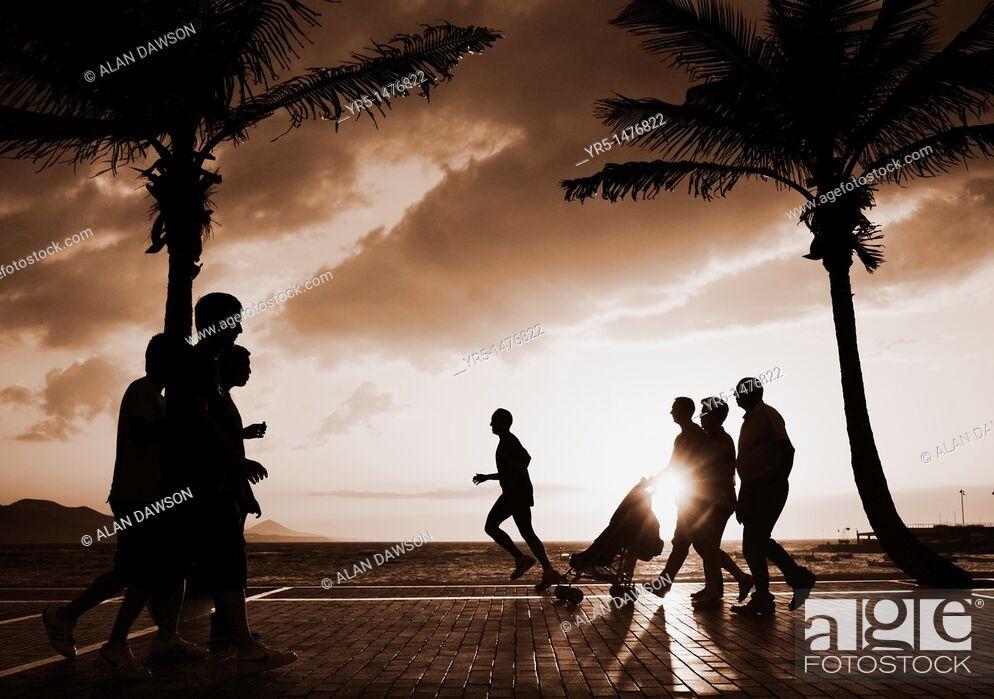 Stock Photo: Sunset at Playa de Las Canteras, Las Palmas, Gran Canaria, Canary Islands, Spain.