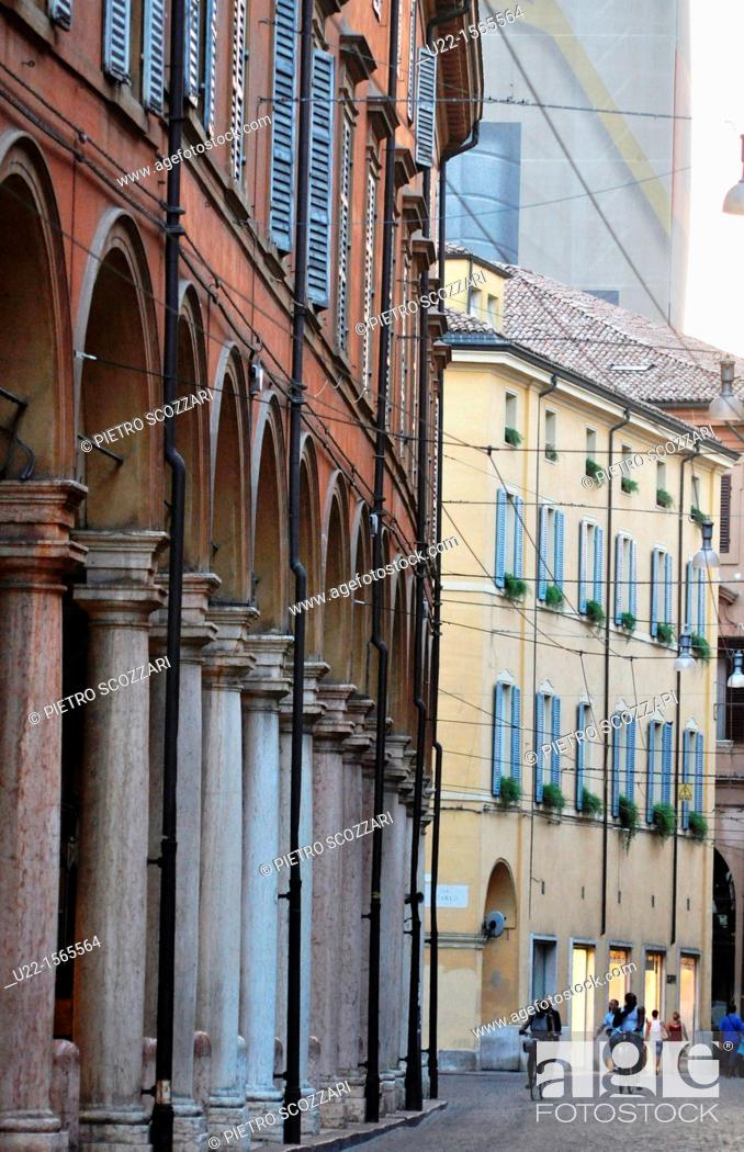 Stock Photo: Modena (Italy): buildings in the historical center.