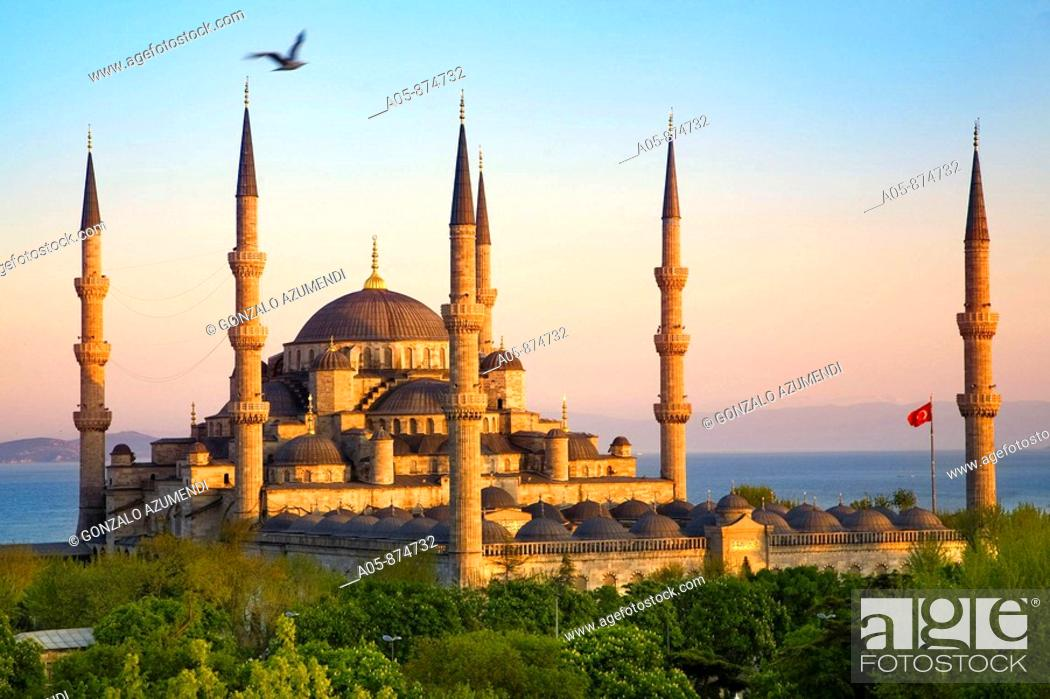 Stock Photo: Blue Mosque, Sultanahmet, Istanbul, Turkey.