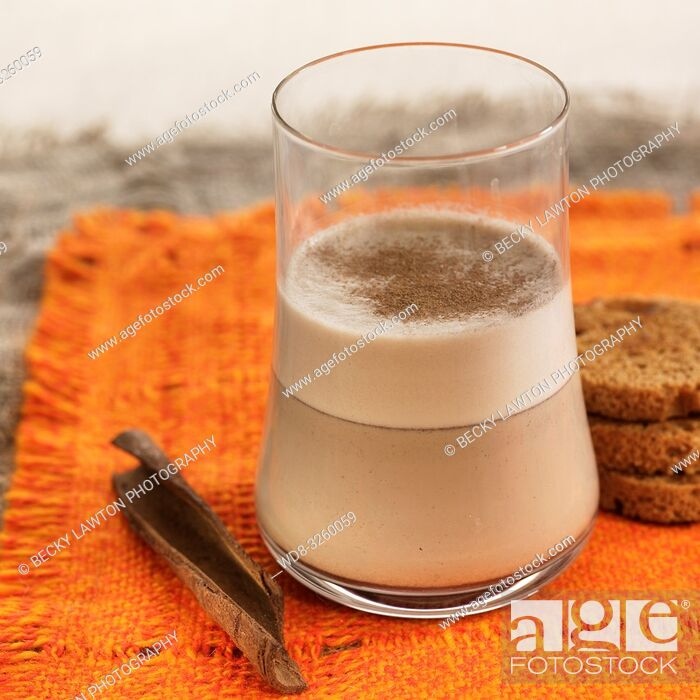 Imagen: leche de avena a la canela / cinnamon oat milk.