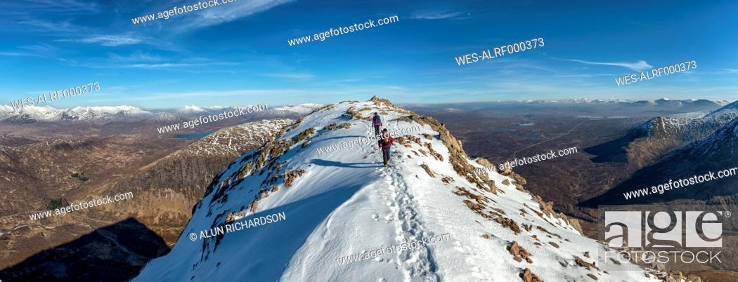 Stock Photo: United Kingdom, Scotland, Glencoe, Stob Dearg, mountaineers.