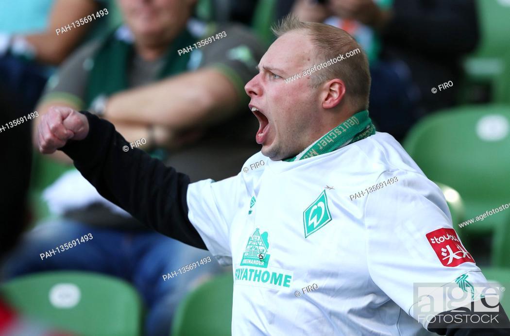 Imagen: firo: 19.09.2020 Fuvuball, Soccer 1. Bundesliga, Season 2020/2021 SVW SV Werder Bremen - Hertha BSC Berlin fan, fans, fan curve, mood, flag, scarves.