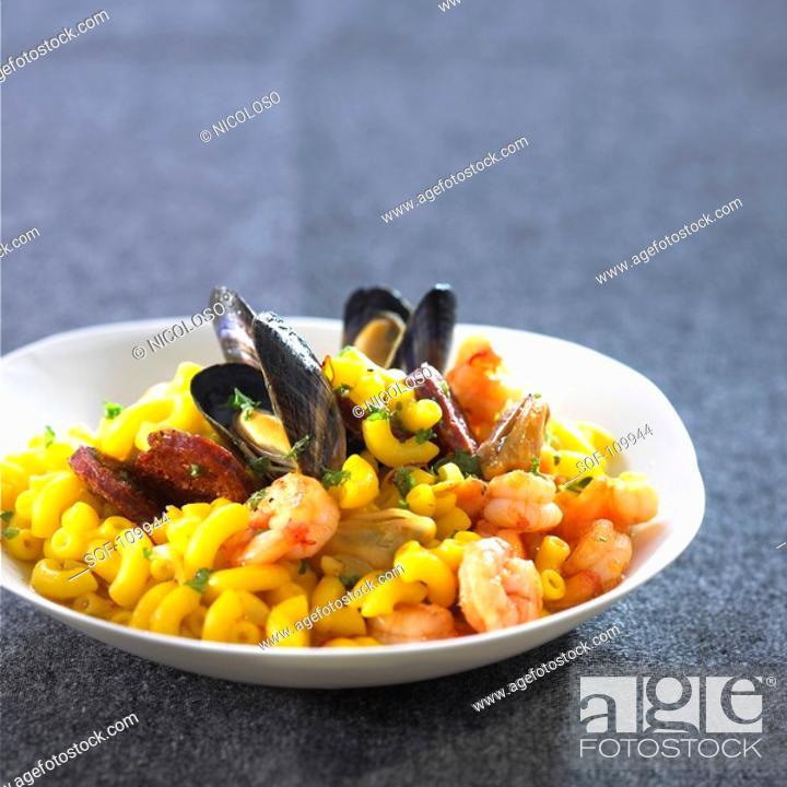 Stock Photo: Pasta shell risotto paella-style.