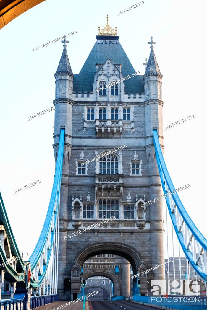 Stock Photo: England, London, Southwark, Tower Bridge.