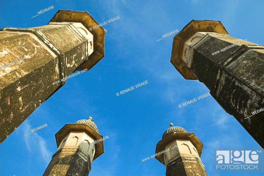 Stock Photo: Four pillars. Mandawa. Rajasthan. India.