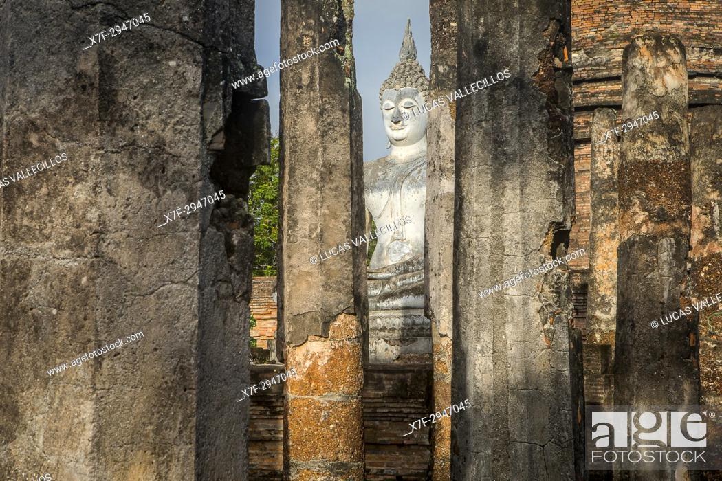 Imagen: Wat Sa Si, in Sukhothai Historical Park, Sukhothai, Thailand.