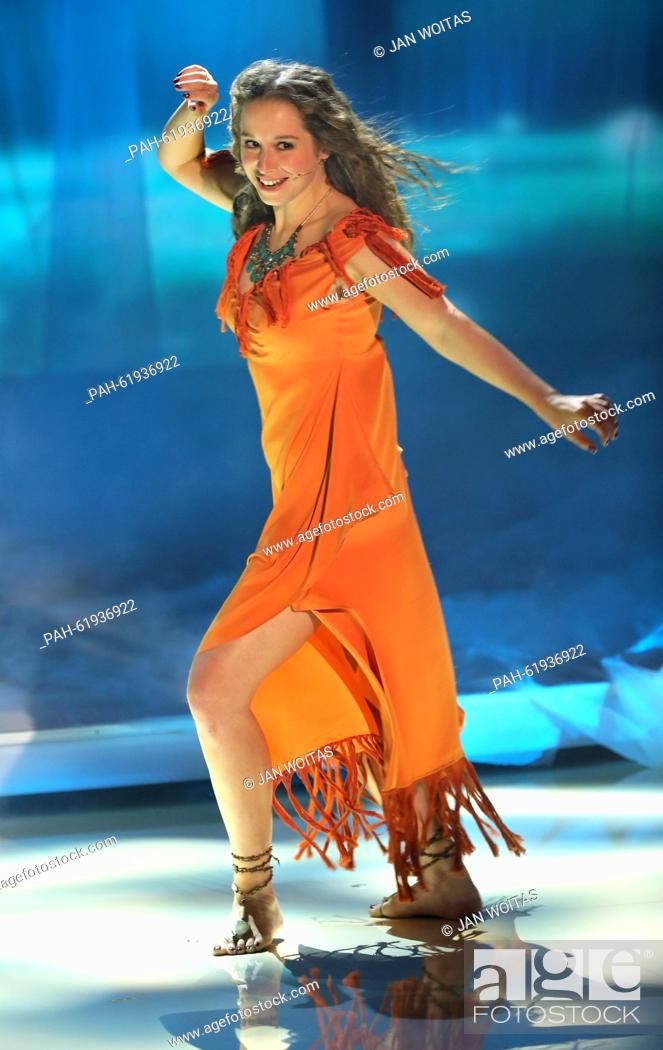 Singer Senta Sofia Delliponti Also Known As Oonagh Performs During