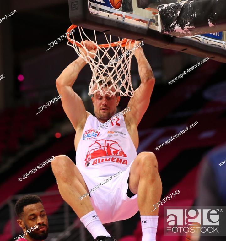 Stock Photo: Bonn, Germany, 23. 12. 2020, Telekom Dome, Basketball Bundesliga, Telekom Baskets Bonn vs Jobstairs Giessen 46ers: Johannes Richter (Giessen) in action.
