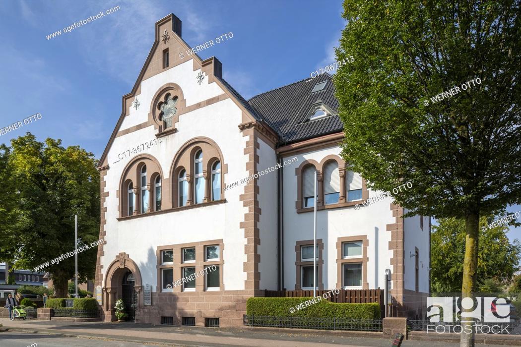 Stock Photo: Borken, D-Borken, Hohe Mark Westmuensterland Nature Park, Muensterland, Westphalia, North Rhine-Westphalia, NRW, former district court.