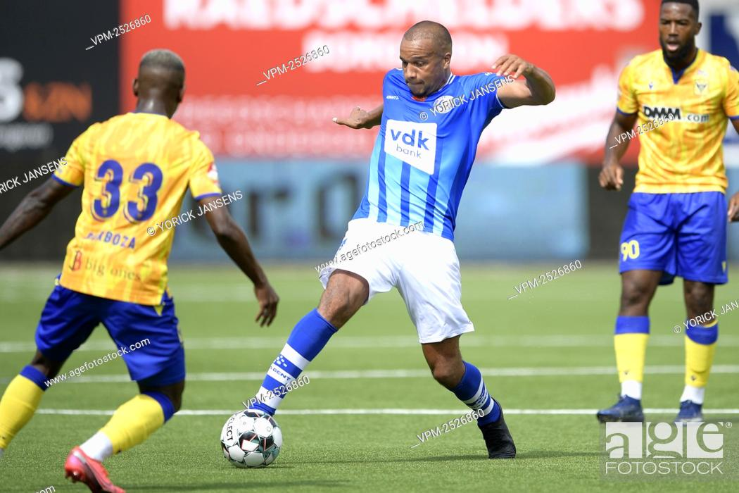 Imagen: Gent's Vadis Odjidja-Ofoe pictured in action during the Jupiler Pro League match between STVV and KAA Gent, in Sint-Truiden, Sunday 09 August 2020.