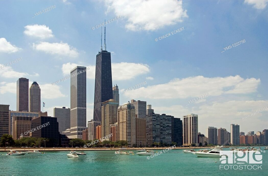 Stock Photo: Chicago skyline on the Northshore as viewed from Lake Michigan.