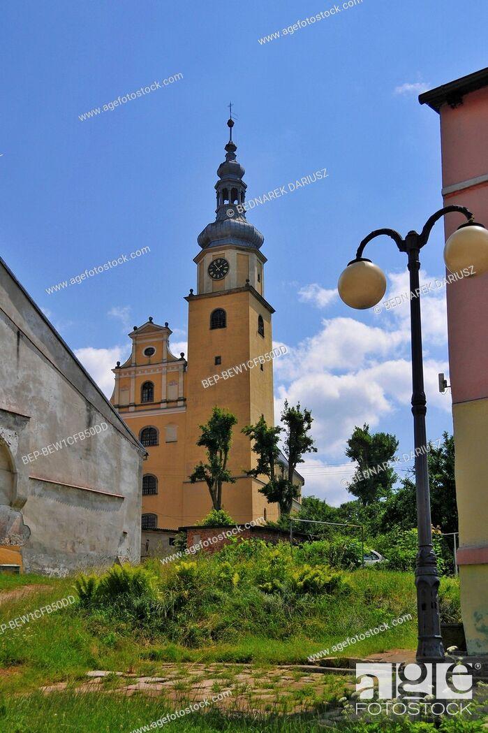 Imagen: Holy Family church in village Chelmno Slaskie, Lower Silesian voivodeship, Poland. The church was build in 1680-1690.