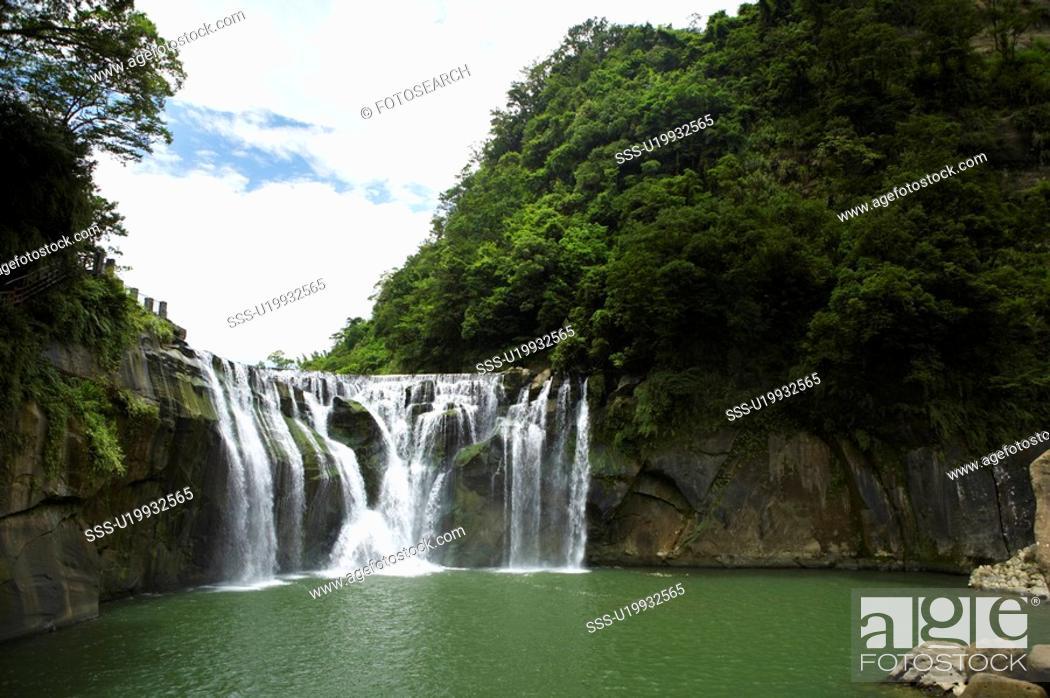 Stock Photo: Shih Fen Waterfall, East Coast, Taiwan.