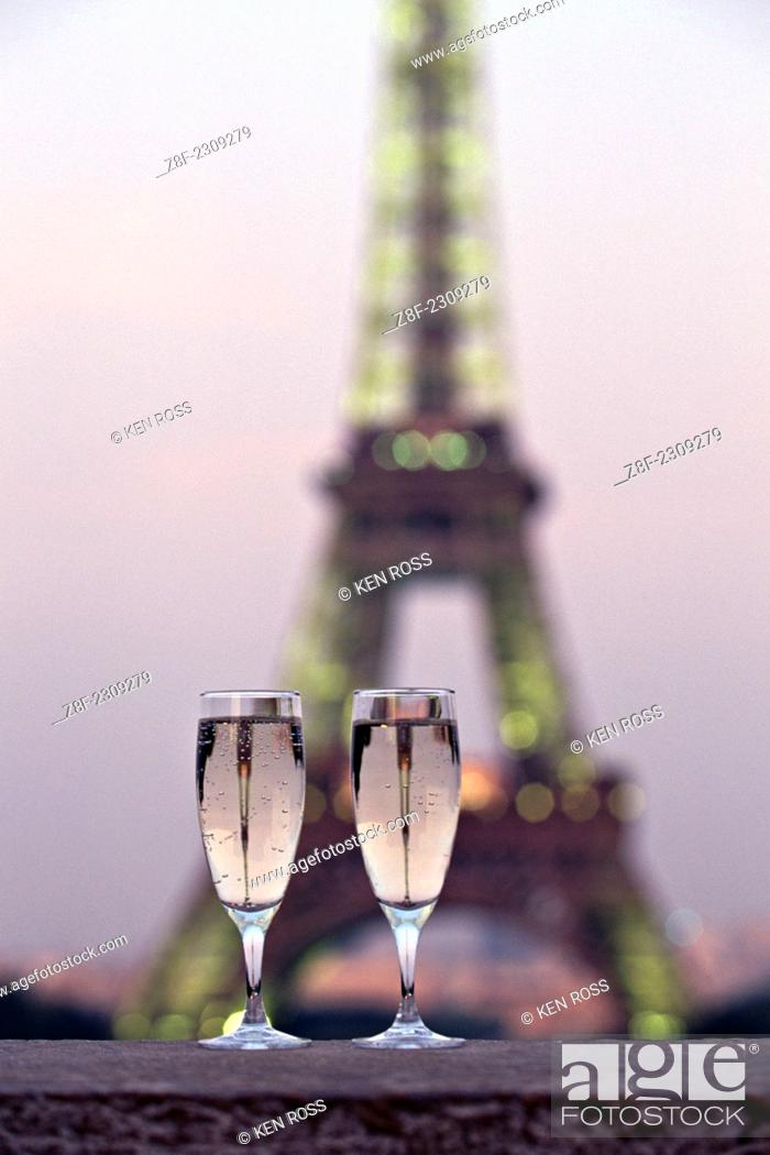 Imagen: Eiffel Tower, Paris, France.