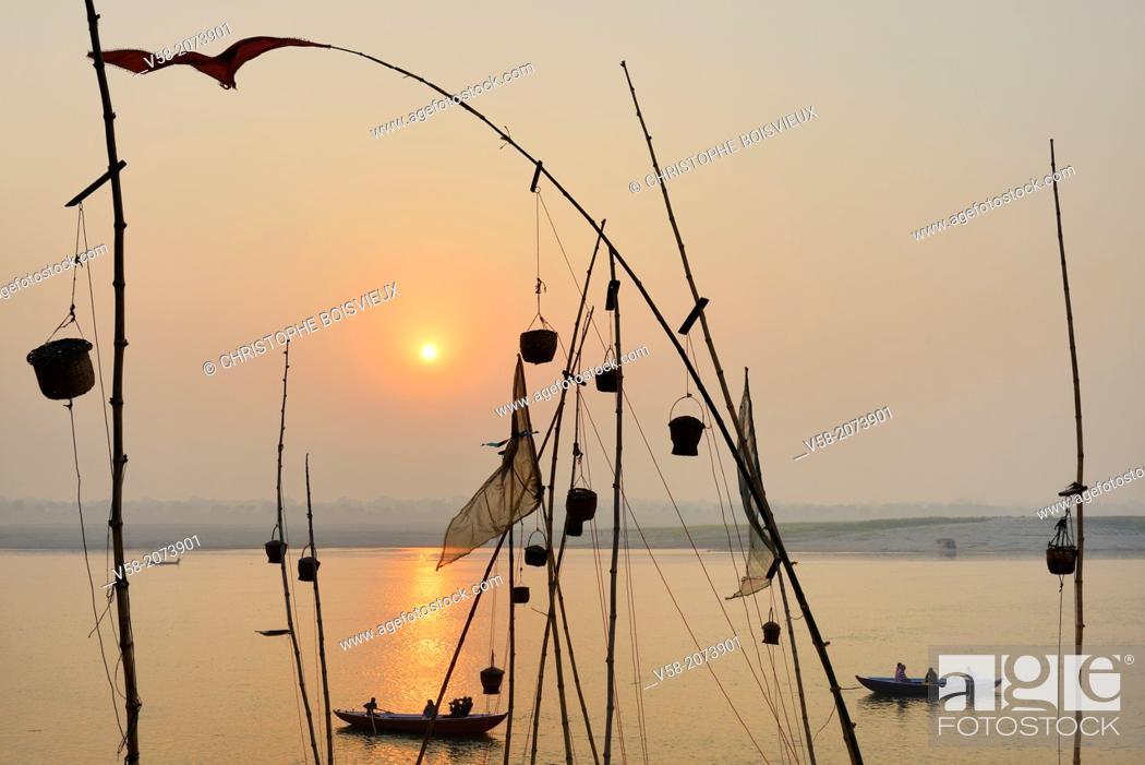 Stock Photo: India, Uttar Pradesh, Varanasi, Sunrise on the Ganges.