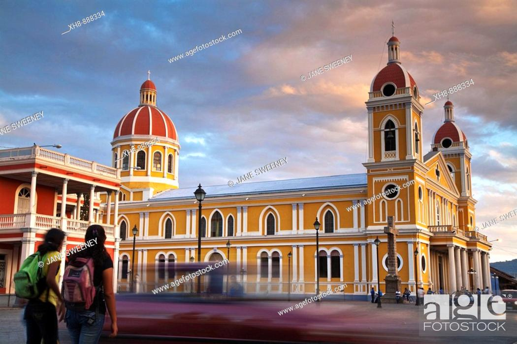 Stock Photo: Cathedral, Parque Colon (aka Central Park), Granada, Nicaragua.