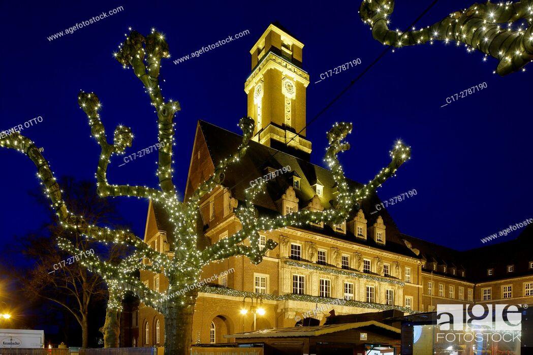 Stock Photo: Germany, Bottrop, Ruhr area, Westphalia, North Rhine-Westphalia, NRW, Christmas fair on the Ernst Wilczok Square, town hall, evening mood, blue hour.