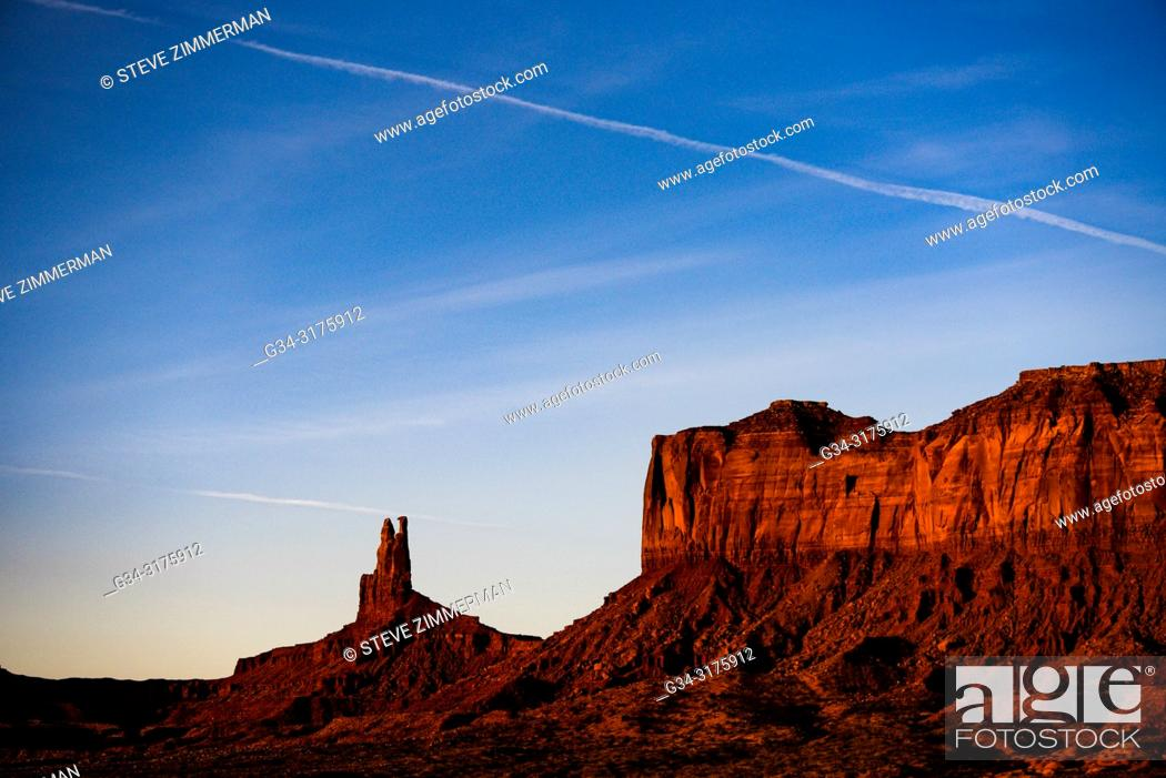 Imagen: Solitary Monument. Monument Valley National Park, Arizona, USA.