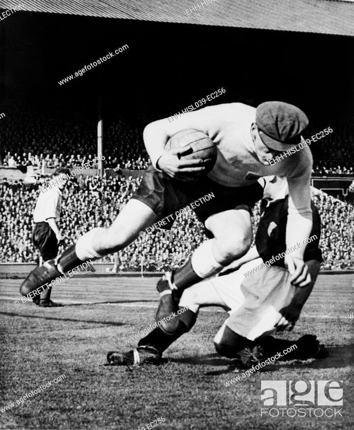 Imagen: England's goalkeeper Frank Swift, in an international soccer match. Wembley, London, 1949. - (BSLOC-2014-17-179).