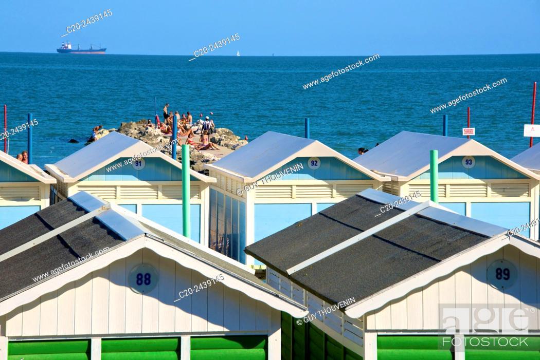 Stock Photo: Beach huts and sun deck, Lido, Venice, Venetia, italy.