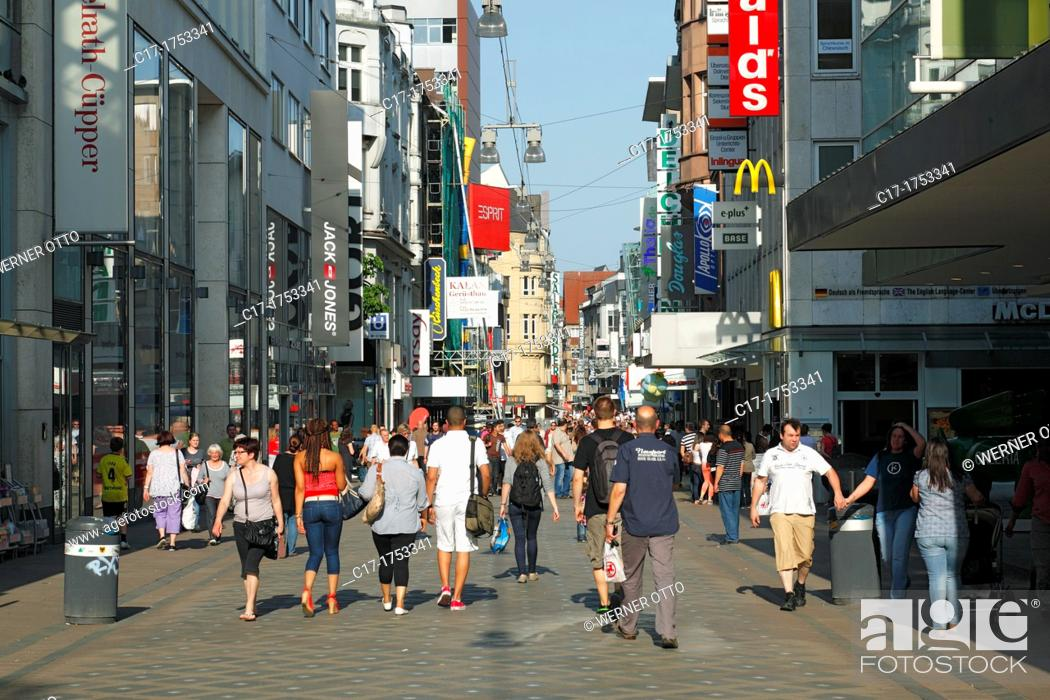 Stock Photo: Germany, Dortmund, Ruhr area, Westphalia, North Rhine-Westphalia, NRW, Westenhellweg, shopping street, pedestrian zone, people, shopping stroll.