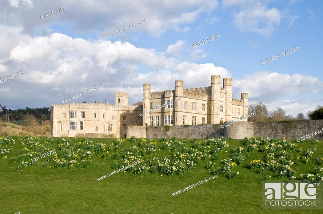 Stock Photo: Leeds catle in Kent, England  Built in 1119 by Robert de Crevecoeur to replace the earlier Saxon manor of Esledes, the castle became a royal palace for King.