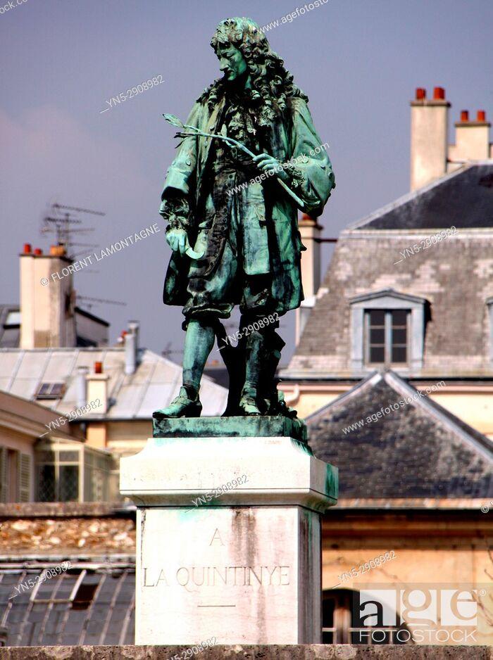 Stock Photo: Statue Jean-Baptiste de la Quintinie, Versailles, Yvelines, 78.