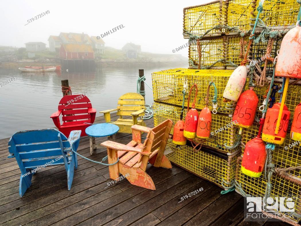Imagen: Peggy's Cove Nova Scotia Foggy Morning.