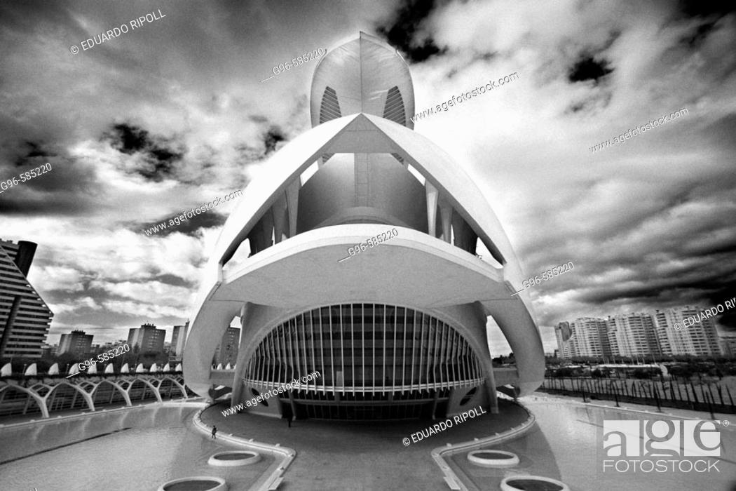 Stock Photo: Palacio de las Artes Reina Sofía, City of Arts and Sciences by S. Calatrava. Valencia. Comunidad Valenciana, Spain.