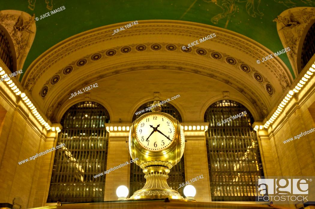 Stock Photo: Clock in Grand Central Terminal, New York City, USA.