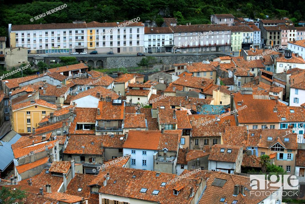 Stock Photo: View of Foix, Midi-Pyrénées, Pyrenees, departement of Ariege, France, Europe. Houses with red tile roofs.