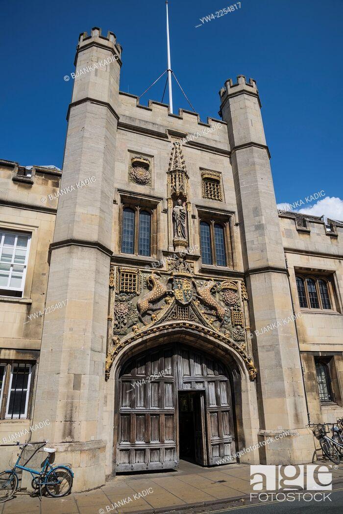 Stock Photo: Christ's College, The Great Gate, Cambridge, England, UK.