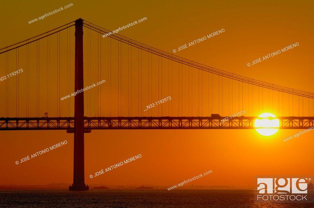 Stock Photo: Lisbon, 25th Abril bridge at dawn, River tagus, Tejo River, Portugal, Europe.
