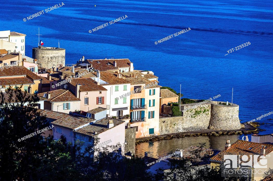 Stock Photo: Europe, France, Var, Saint-Tropez. Portalet tower and the old tower, XV century.