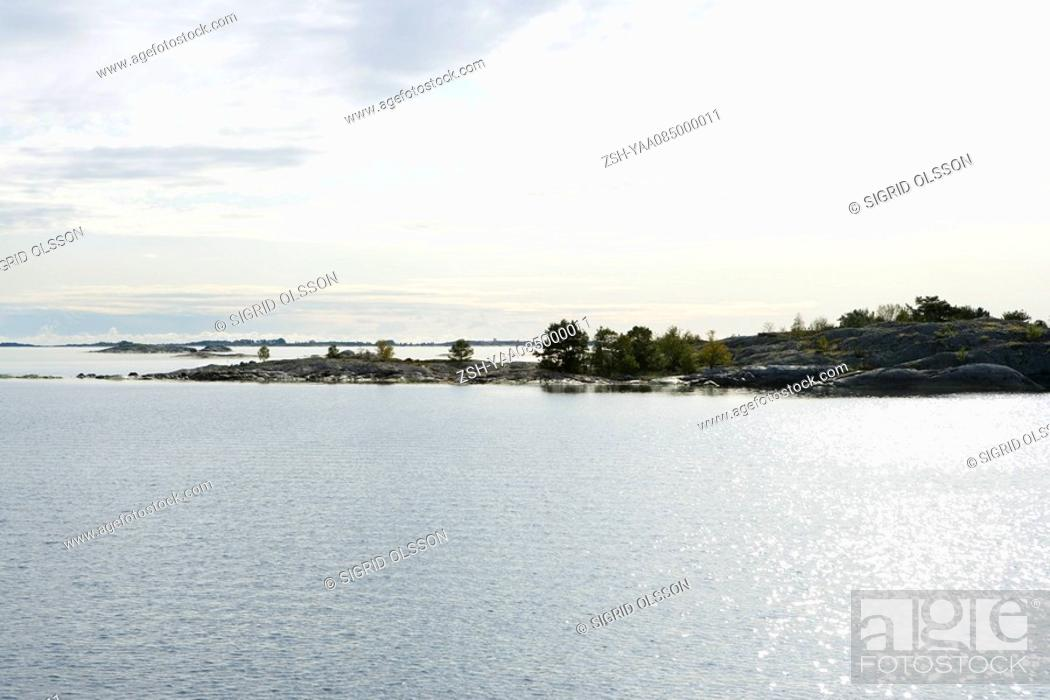 Stock Photo: Seascape with islands.