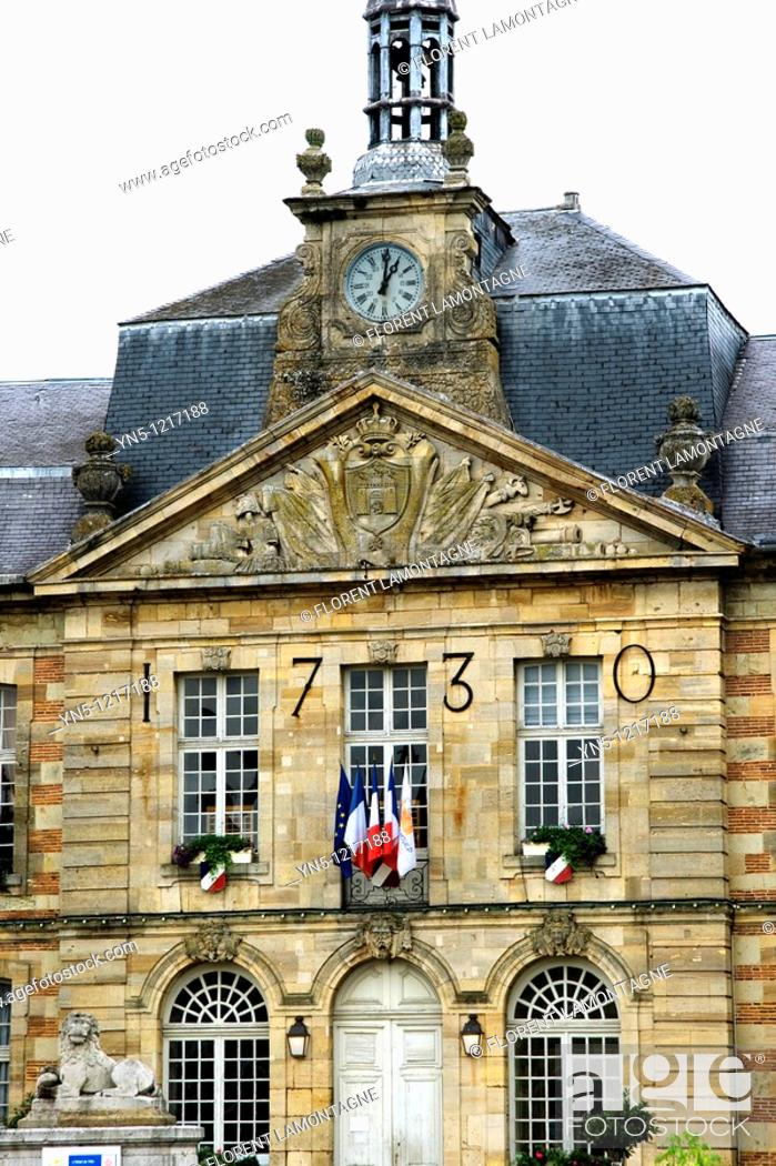 Stock Photo: France, Champagne-Ardenne, Marne 51, Sainte Menehould - City Hall.