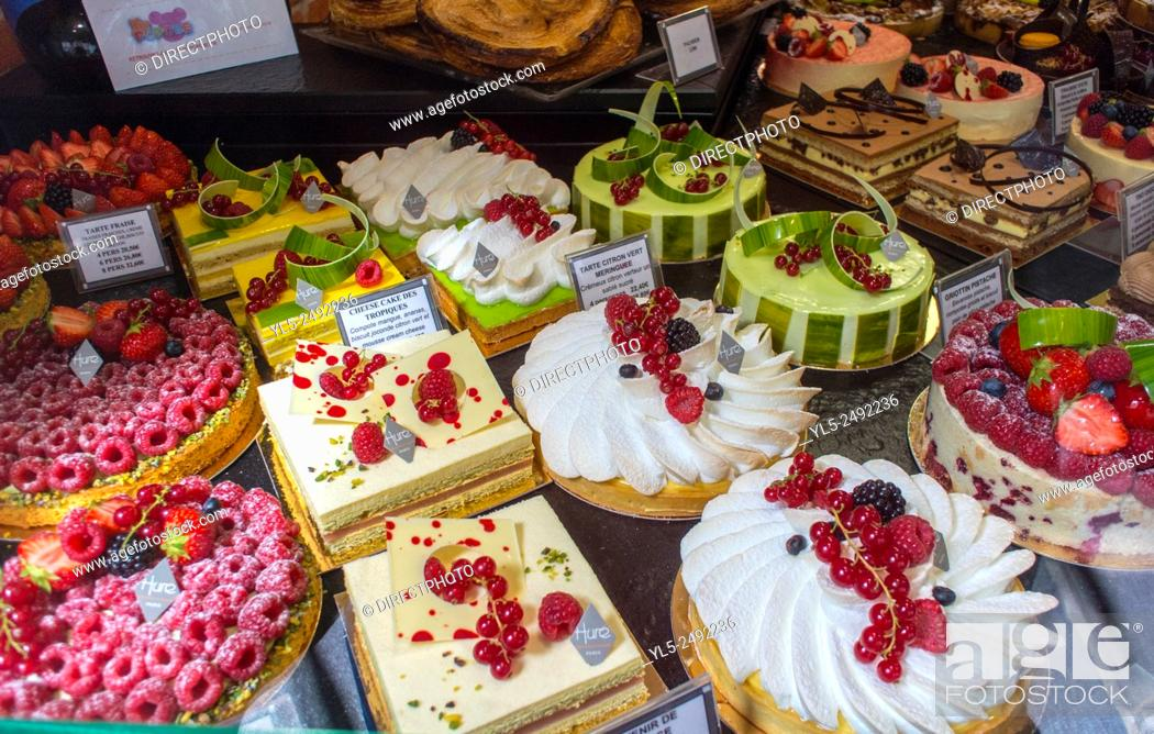 Stock Photo Paris France Ping In The Marais Area S French Bakery Patisserie Hure
