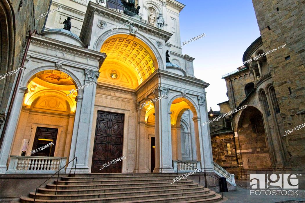 Stock Photo: Duomo, Bergamo, Italy.