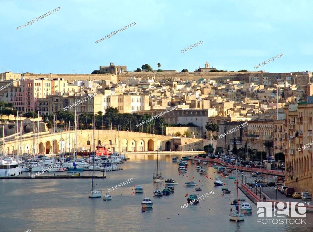 Stock Photo: Harbour of Vittoriosa.