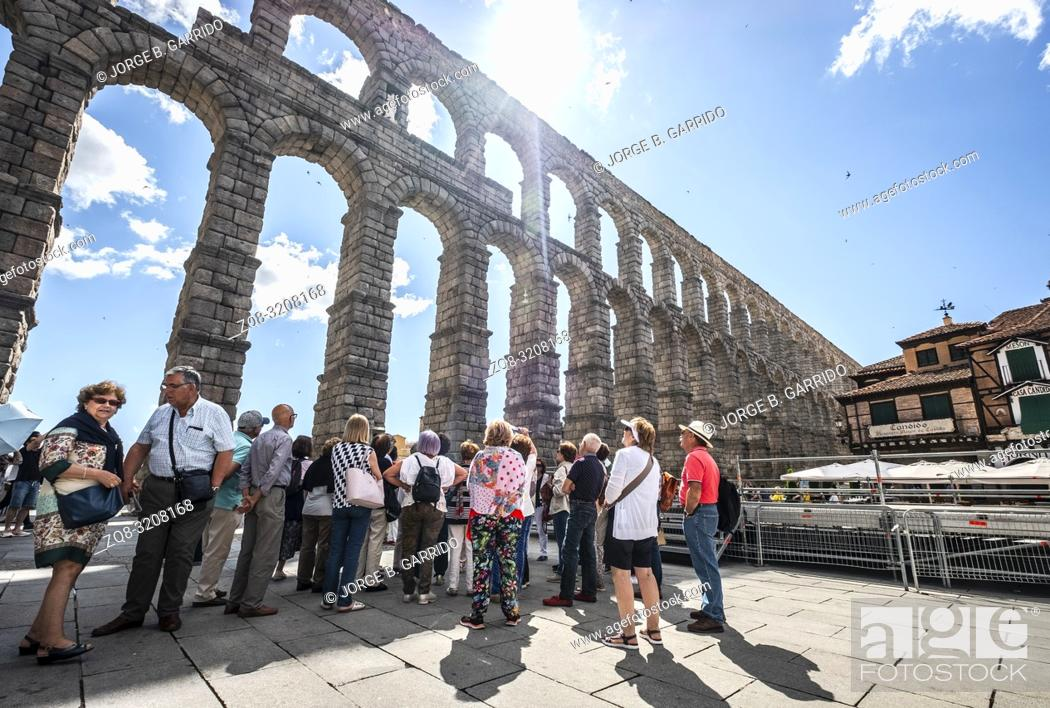 Imagen: Medieval aqueduct in the Spanish town Segovia ( UNESCO World Heritage Site).