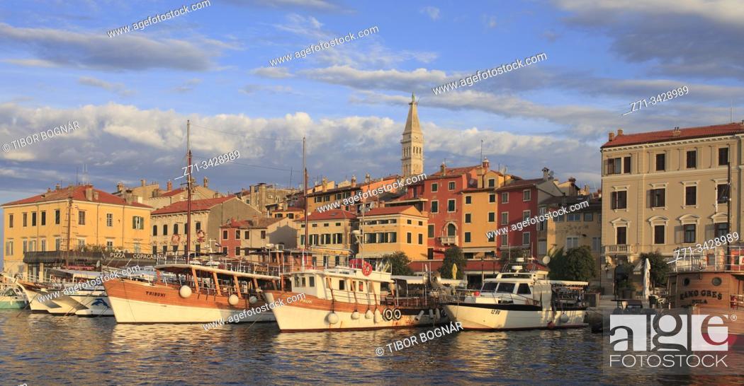 Stock Photo: Croatia, Istria, Rovinj, harbor, boats, skyline.