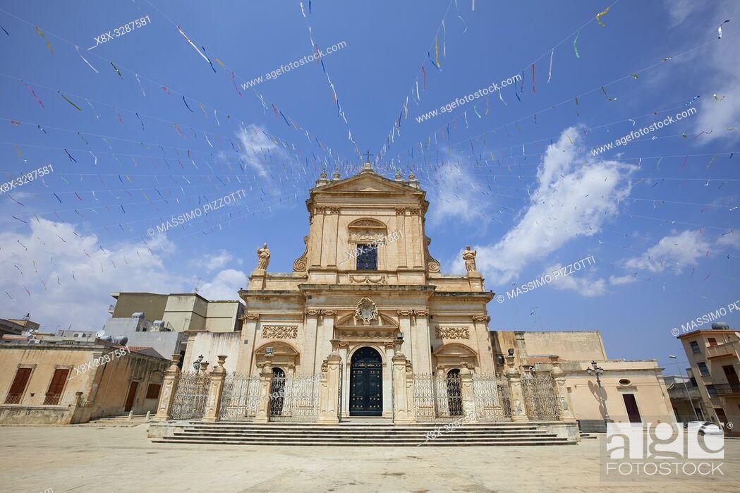 Stock Photo: The Basilica di Santa Maria Maggiore in Ispica, Sicily, Italy.