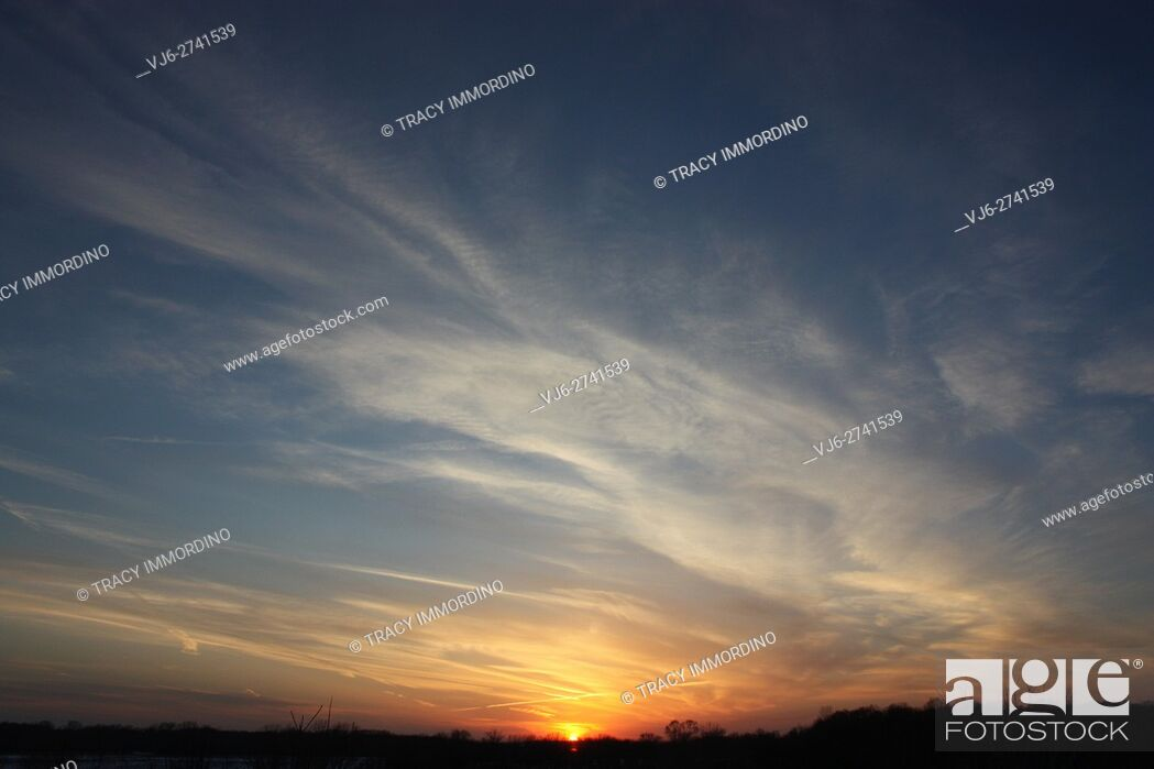Stock Photo: Sunset with cirrus clouds.