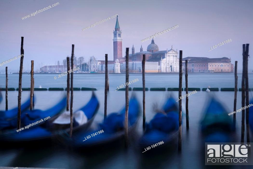 Imagen: Gondolas and San Giorgio Maggiore in background  Venice  Italy.