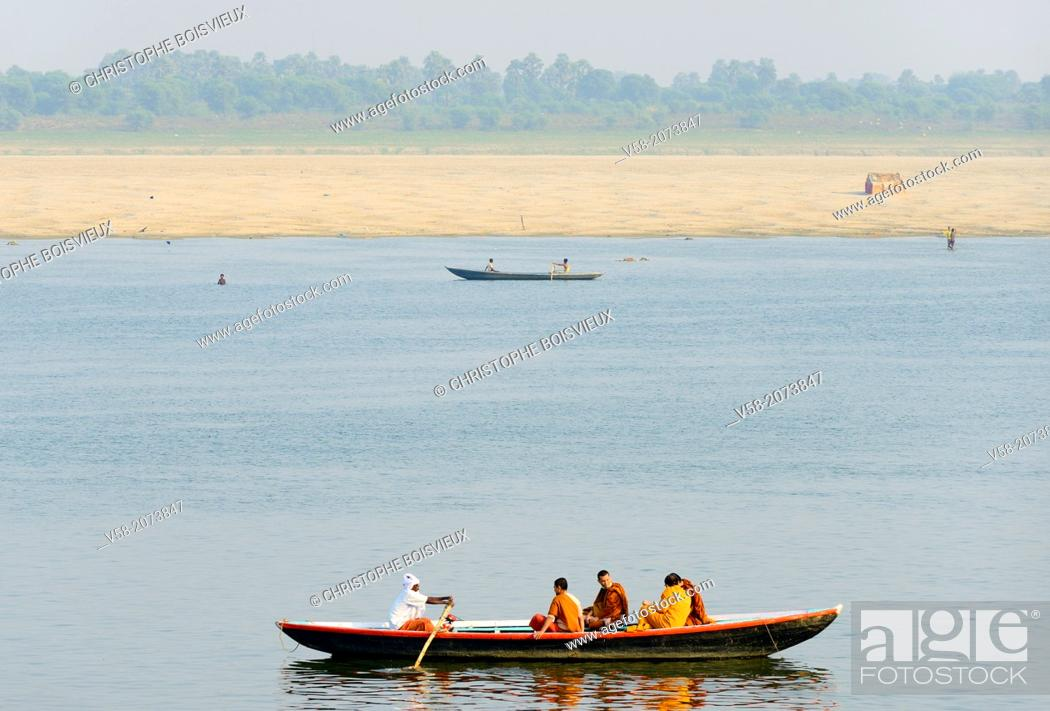 Stock Photo: India, Uttar Pradesh, Varanasi, Boatride on the Ganges.