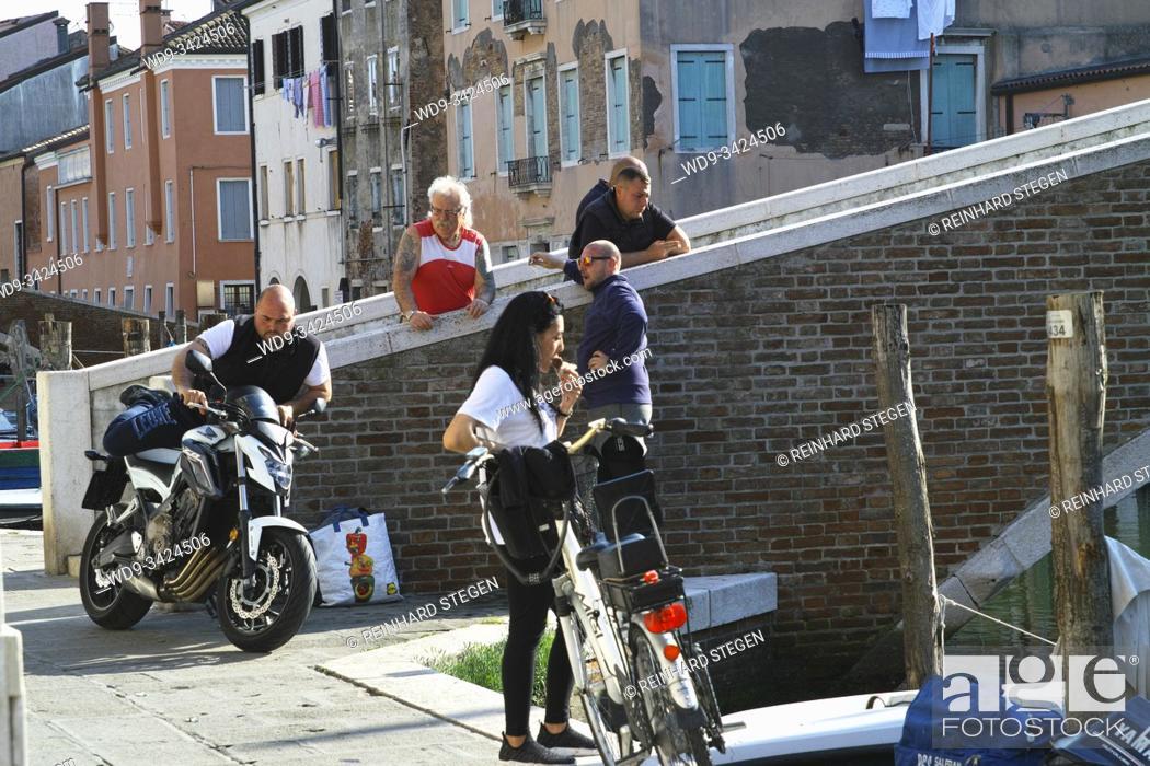 Imagen: street scene in Chioggia, by chance. Veneto, Italy.