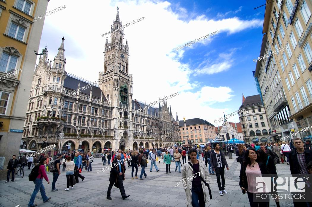Stock Photo: The popular city center of Munich in Bavaria, Germany.	1015.