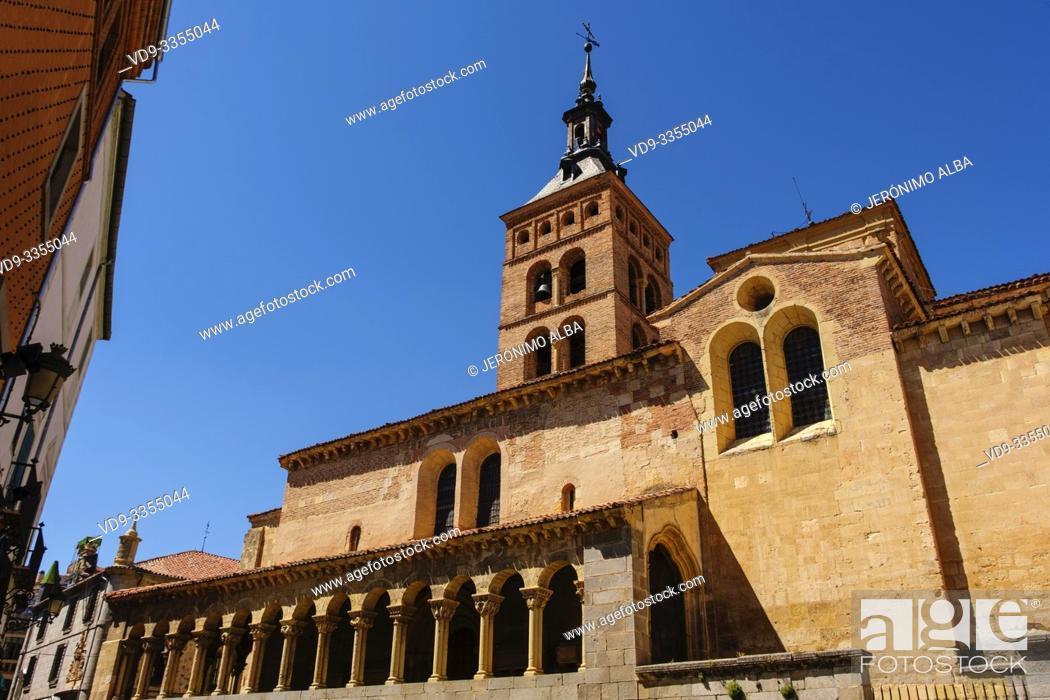 Imagen: San Martin church, moorish origin with romanesque style, Medina del Campo square. Segovia city. Castilla León, Spain Europe.
